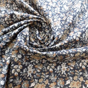 Last Chance To Buy 6.90m of Crisp Autumnal Poly Cotton for £15